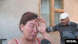 Жительница села Красный Трудовик Сериккайша Шиешова рассказывает репортеру радио Азаттык о конфликте с властями. Алматы, 7 августа 2009 года.