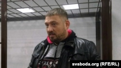 Syarhey Tsikhanouski at the Saviecki District Court in Homel in December