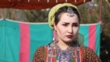 Afghanistan - open-air fashion show in Kabul - Afghan Service - screen grab