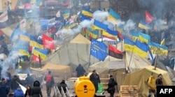 Киев Майданы (Тәуелсіздік алаңы). 20 желтоқсан 2013 жыл.