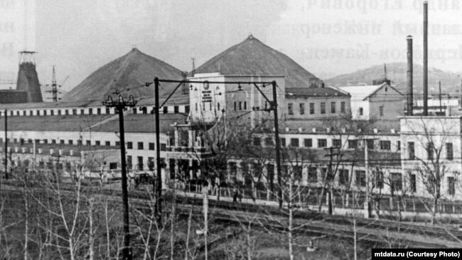 Предприятие в старом Прокопьевске – шахта имени Сталина