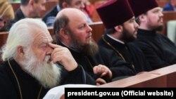 Митрополит Черкаський і Канівський Софроній (ліворуч). Черкаси, 20 листопада 2018 року
