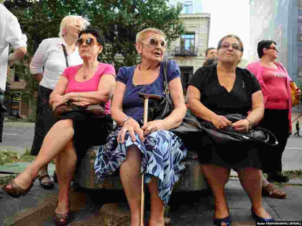 თბილისში კიდევ ერთხელ გააპროტესტეს იმელის შენობის მოსალოდნელი დემონტაჟი.