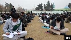 حقمل: این بورسیهها برای کسانی باید داده شود که شایستگی لازم را برای ادامه تحصیل در خارج از افغانستان را دارند.