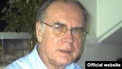 Итальянский журналист и политолог Джованни Бенси.