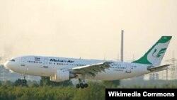 Самолет авиакомпании Mahan Air
