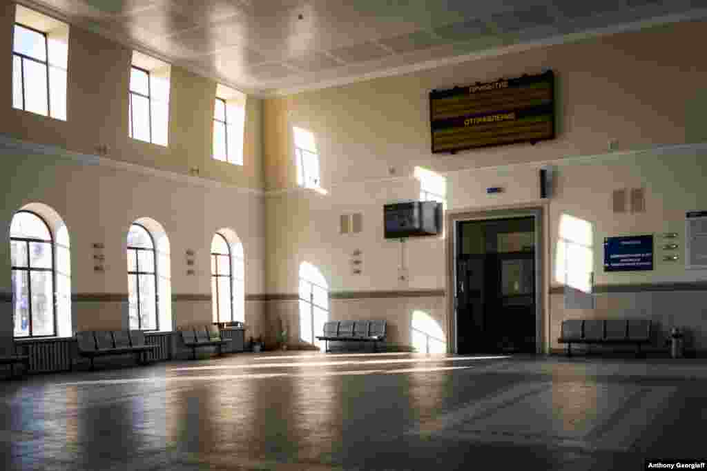The main railway station in Tiraspol is eerily empty, but it is kept clean and well-heated. Most transport links to and from the isolated region have been suspended indefinitely. There is no international airport in Transdniester.
