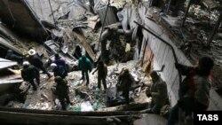 Сепаратисты используют пленных в донецком аэропорту для поиска тел погибших
