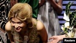 Гүлнара Каримова дизайнер катары Кытайдагы мода жумалыгында. 30-октябрь, 2012-жыл.