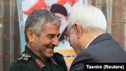 IRGC командачысы Мохаммад Али Жафари жана Иран тышкы иштер министри Мохаммад Жавад Зариф