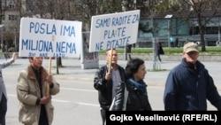 Radnici Kosmosa tokom protesta, 2. april 2015. foto. Gojko Veselinović
