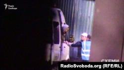 Мікроавтобус привіз від літака Віктора Медведчука з дружиною