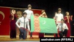 Türkiýede okaýan türkmen studentleri