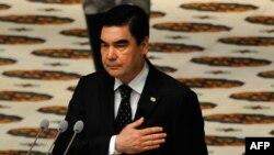 Prezident Gurbanguly Berdimuhamedow kasam kabul edýär, 17-nji fewarl, 2017.