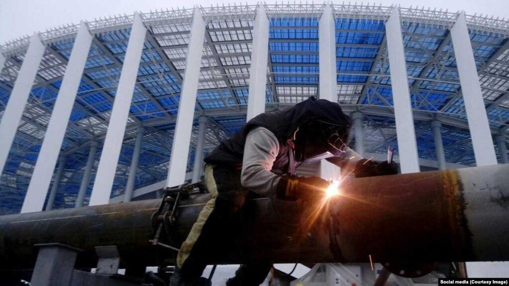 Стадион в Нижнем Новгороде, построенный к ЧМ-2018, не доделан, рабочим не заплатили