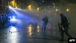 Судири меѓу демонстрантите и полицијата во Љубљана на 30 ноември 2012.