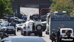 Біля місця нападу, Єреван, 17 липня 2016 року