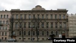 Зубовский институт на Исаакиевской площади в Петербурге