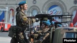 Ermənistan paytaxtında hərbi parad. 21 sentyabr 2011