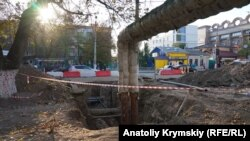 Сімферополь: ремонт доріг і затори (фотогалерея)