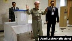 Իրաքյան Քուրդիստանի ղեկավար Մասուդ Բարզանին քվեարկում է անկախության հանրաքվեում, Էրբիլ, 25-ը սեպտեմբերի, 2017թ․