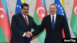 Prezidentlər Nicolas Maduro (solda) və İlham Əliyev