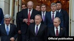 Евразия экономикалык биримдигинин Москвадагы саммити. 8-май, 2015-жыл.