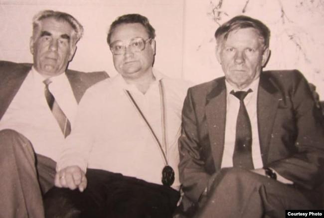 Ніл Гілевіч, Генадзь Бураўкін, Васіль Быкаў