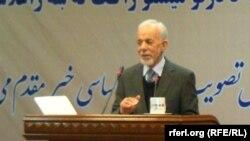 گل الرحمان قاضی استاد علوم سیاسی در پوهنتون کابل