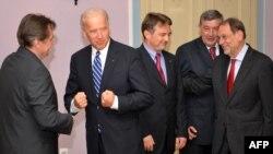 Potpredsjednik SAD Džozef Bajden sa članovima Predsjedništva BiH i visokim predstavnikom EU za zajedničku vanjsku i sigurnosnu politiku Havijerom Solanom