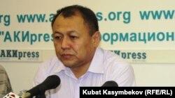 Осунбек Жамансариев.