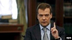 Кремль, 2 июля. Дмитрий Медведев отвечает на вопросы журналистов