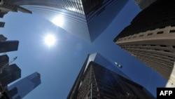 Бұрынғы Дүниежүзілік сауда орталығының қос ғимаратының орнына салынған нысан. Нью-Йорк, , 2 мамыр 2013 жыл.