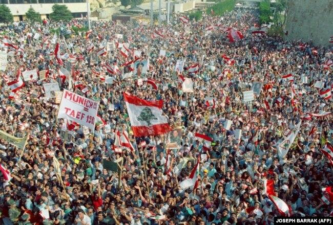 Антиправительственная демонстрация в Бейруте. 22 октября 2019 года