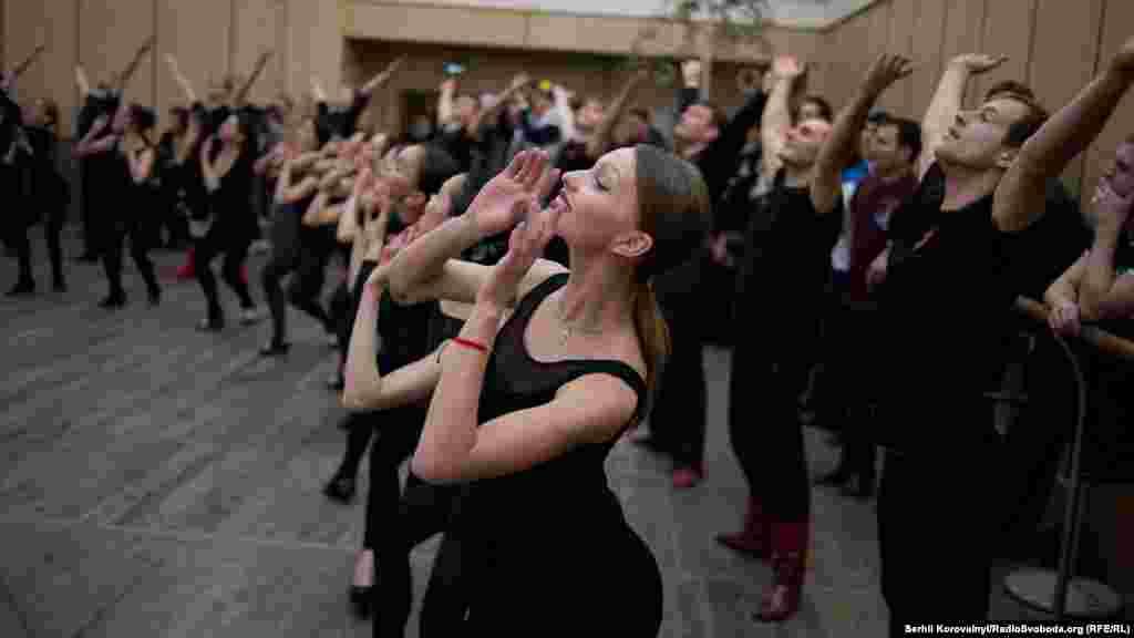 Два уславлених колективи дадуть в Україні три концерти: 13, 14 та 16 березня. Вони відбудуться у Житомирі, Львові та Києві