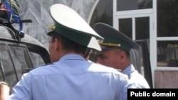 Туркманистон полицияси ходимлари (Иллюстрация сурат)