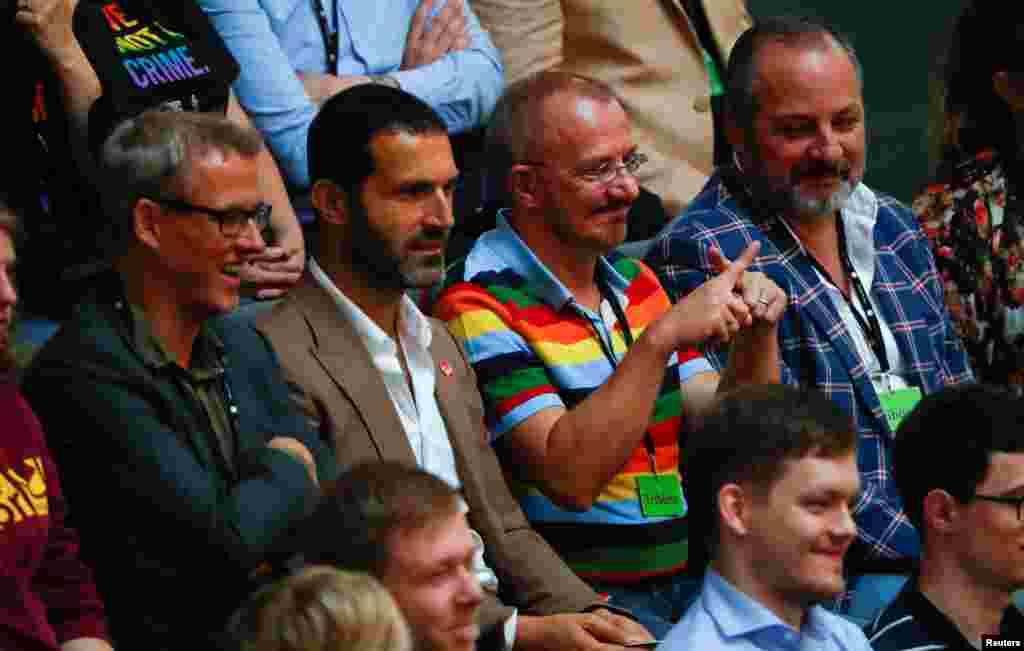 Посетители Бундестага могли наблюдать за дискуссией изнутри
