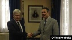 Претседателот на ДУИ Али Ахмети се сретна со грчкиот амбасадор во Македонија Харис Лалакос.
