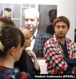 Антон Наумлюк на открытии фотовыставки