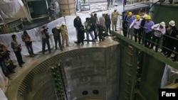روسيه اعلام کرده تا ايران درباره برنامه اتمی خود شفاف سازی نکند سوخت نيروگاه اتمی بوشهر را تحويل نمی دهد.