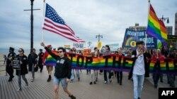 در حال حاضر حدود نیمی از دگرباشان ساکن ایالتهایی هستند که قانون مشخصی در زمینه دفاع از حق اشتغال آنها ندارند.