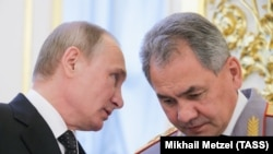 Wladimir Putin goranmak ministrini deňiz bazasyna iberdi.