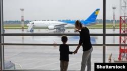 17 березня Україна припинила міжнародне авіасполучення, щоб запобігти поширенню коронавірусу