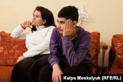 Дружина та старший син Хасана