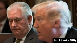 U.S. President Donald Trump (right) with outgoing Secretary of State Rex Tillerson (file photo)
