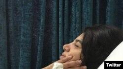 این تصویری ست که رامین سیدامامی از بستری شدن مادرش، مریم ممبینی، منتشر کرده است