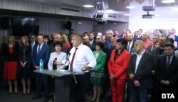 Последната пресконференция на премиера Борисов, на която той потвърди, че на една от изтеклите снимки е заснет именно той, докато спи