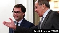 Moldovanın xarici işlər naziri Nicolae Popescu (solda) və Rusiyanın xarici işlər naziri Sergei Lavrov sentyabrın 11-də Moskvada görüşüblər