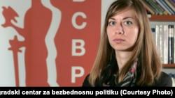 """""""Nabavka naoružanja i vojne opreme se sprovodi po istom principu kao i nabavka respiratora"""", navodi Maja Bjeloš, istraživačica Beogradskog centra za bezbednosnu politiku."""