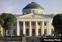 Таврический дворец в Таврическом саду в Петербурге, где произошли избиения